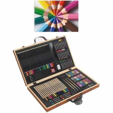 Complete teken schilder doos 88 delig met een a4 schetsboek